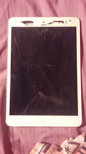 iPad mini 2 - Selling for parts