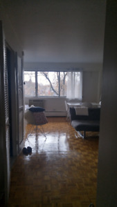 Large Studio $750 Snowdon Metro 3 months unfurnished
