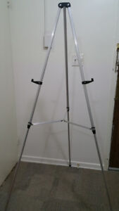 Quartet Lightweight Telescoping Easel