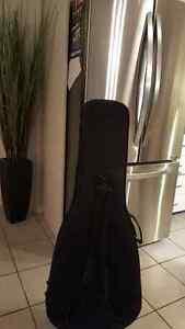 Étui pour guitare acoustique classique Gator type Sac-A-Dos noir Saguenay Saguenay-Lac-Saint-Jean image 2