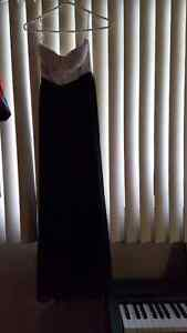 Gently used Black dress with white top strapless size small