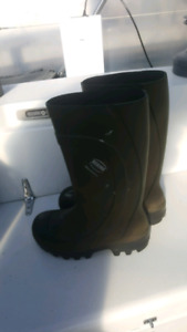 steel toed rubber boots for cold weather