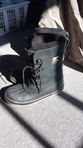 Black Sorel winter boots