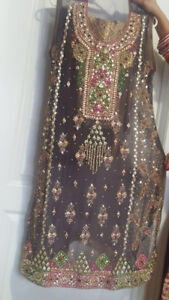 NEW in Style Pakistani/Indian Dress/Suit