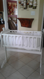 baby white rocking bassinet