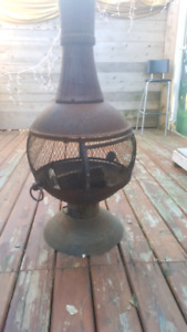 Outdoor Chiminea / Foyer Exterieur