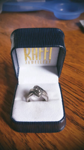 Engagement ring with Canadian diamonds!