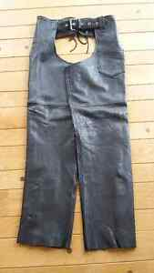 Women's Leather Olde Hide House Chaps - Size Small. Like New.