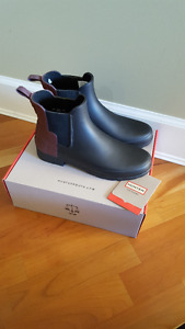 BRAND NEW WOMEN'S ORIGINAL REFINED CHELSEA BOOTS | SIZE 8