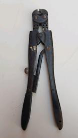 Amp crimp tool