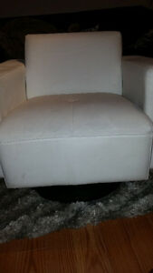 Used White Swivel Chair for Sale