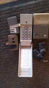 1 remote, 1 keypad, inside wired pad and 2 eyes.  Peterborough Peterborough Area image 2