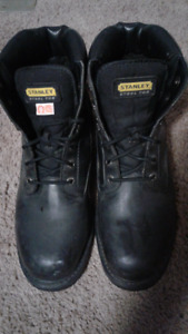 Stanley work boots size13