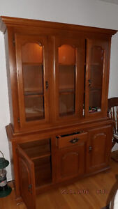 Blonde Hutch with light (wood)