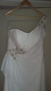 Brand New Ivory Dress - Symphony of Venus - Regular $900