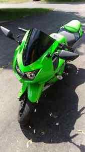 2010 Kawasaki - 250 Ninja - Special Edition