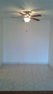 BEAUTIFUL, CENTRALLY LOCATED ONE BEDROOM Cornwall Ontario image 3