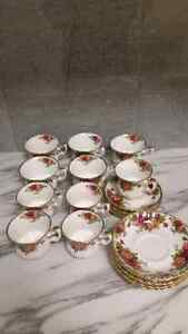 "Royal Albert ""Old Country Roses"" Kingston Kingston Area image 2"
