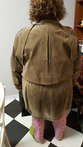 Beautiful Ladies Suede Coat / Jacket (2X / 3X) Stratford Kitchener Area image 2