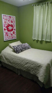 Girls room quilt, curtains and accessories
