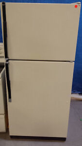 Kenmore Fridge Frost Free @ Stove Bisque Colour, new condition.