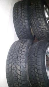 Mag Mazda 114.3 bolt pattern et PNEU hiver neuf 205/50/17
