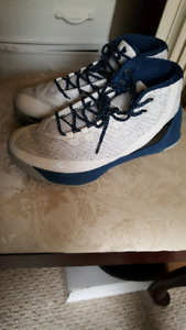 Curry 3's Size 10
