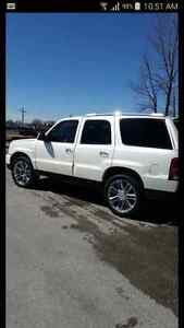 2005 Cadillac Escalade fresh safety private sale !!!!!!