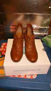 Women's  down size 8 shoes