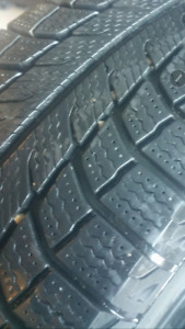 215 60 R16 Michelin Latitude X-Ice 4 Snow Tires