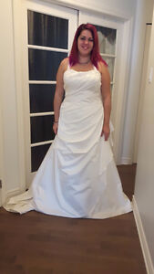 PLUS SIZE WEDDING DRESSES--ROBES DE MARIEES TAILLE PLUS