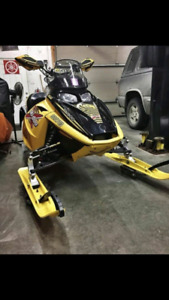 04 Blair Morgan 800cc skidoo for TRADE.