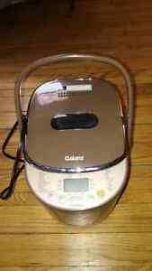 Like new barely used breadmaker