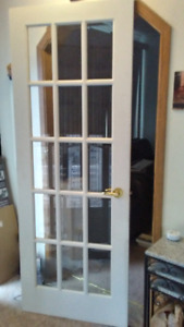 Solid Wood,15 bevelled glass 30X80 white door with brass handle.