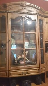 Oak Wall Unit-Display Cabinet West Island Greater Montréal image 2