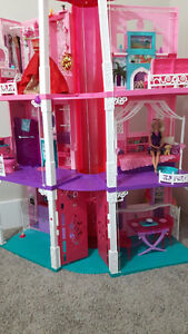 Mint Condition Barbie Life In The Dreamhouse Dollhouse