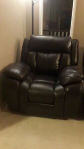 Sofa set for 2000$, mint condition.
