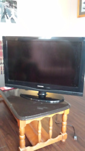 32'' Samsung TV  -  Barely Used and in Excellent Condition