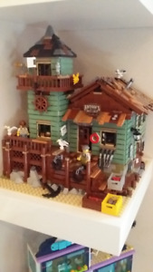 Lego - Old Fishing Store - Assembled