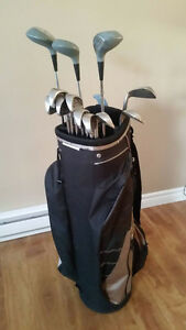Set of Women's Wilson Golf Clubs - Bag Included
