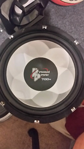 700w Pyramid Power Subwoofer