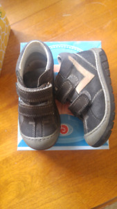 Toddler boy wide leather boots size 7.5