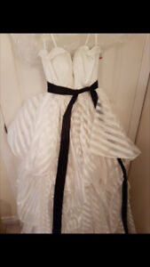 NEW DAVIDS BRIDAL DRESS
