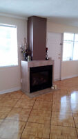 Bright , spacious 3-bdrm apt available by Lakeshore & Hurontario