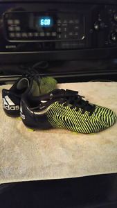 Boy's size 4 adidas soccer cleats.
