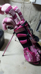For sale: Right-hand ladies Adams A4OS golf clubs and golf bags