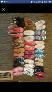 18 pairs of size 5/6/7 toddler girls shoes