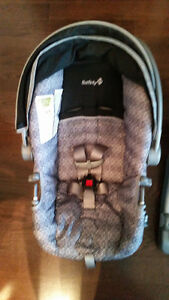 SAFETY 1ST CAR SEAT UP TO 22LBS West Island Greater Montréal image 3