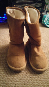 Girls boots - size 12