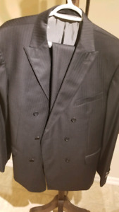 Austin Reed Signature Men pinstripe suit. Brand new! Never been